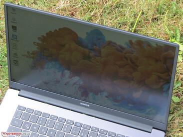 .... ноутбука MagicBook 15